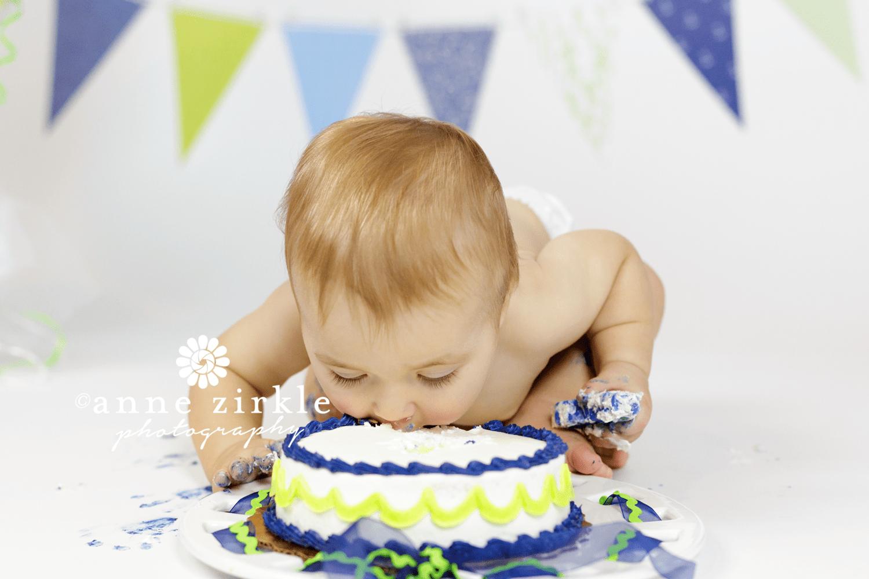 cake-dive-01