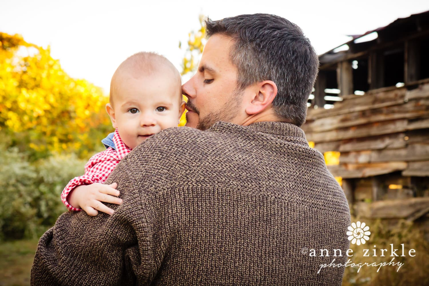 baby-boy-with-dad-in-autumn