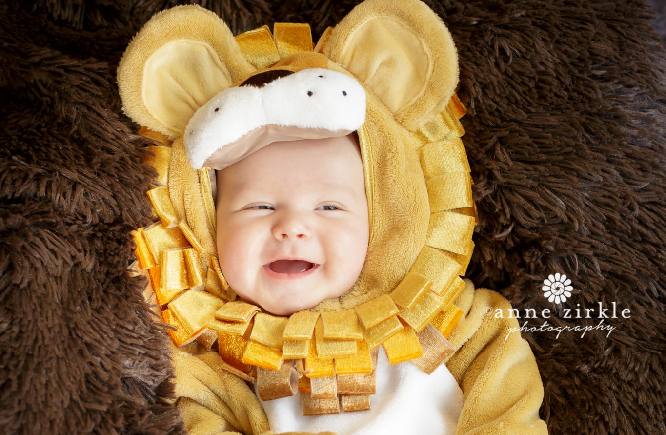 baby-in-lion-cub-costume