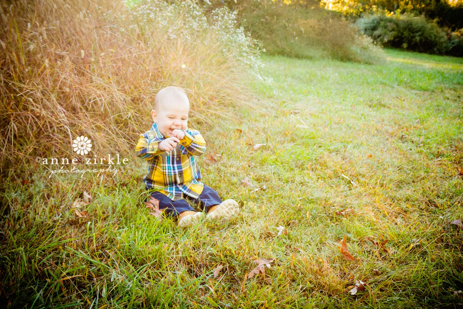 baby-sitting-in-autumn-grasses-laughing