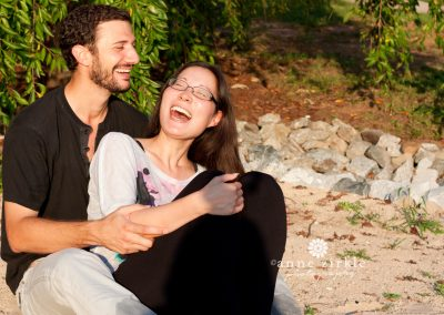 couple-laughing-together