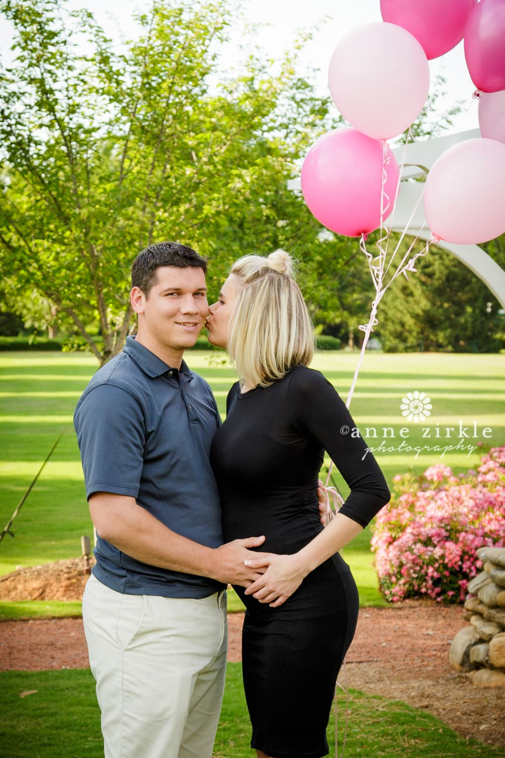 gender-reveal-pink-balloons