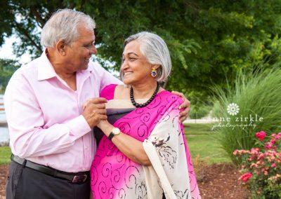 older-indian-couple-beautiful-sari