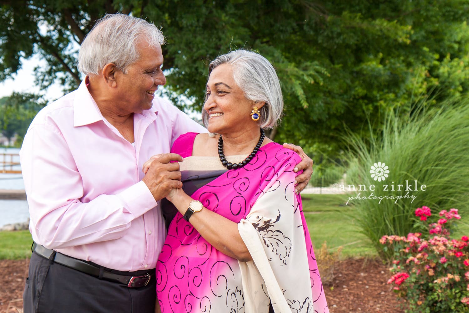 older-indian-couple-beautiful-sari