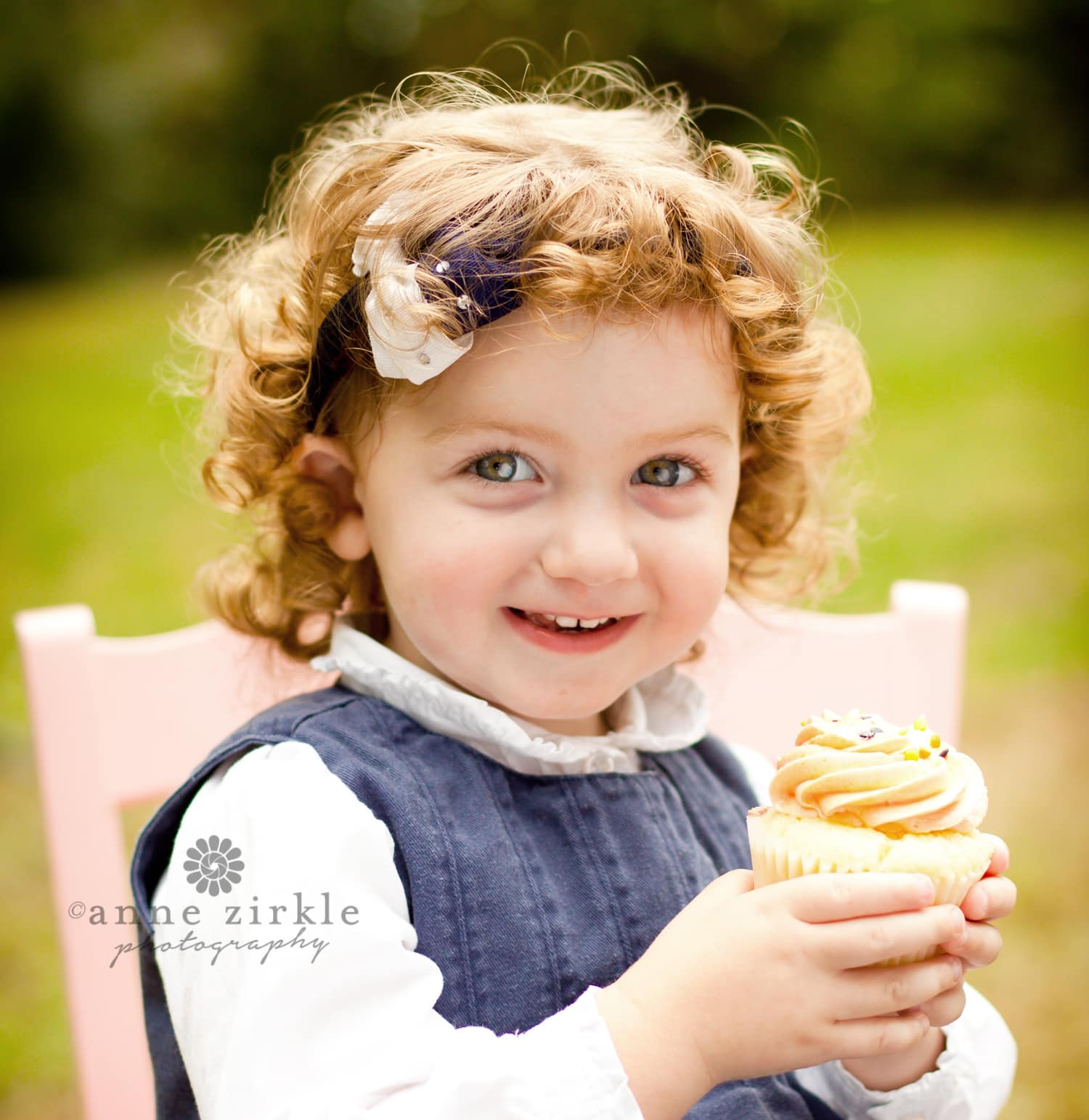 little-girl-with-a-cupcake
