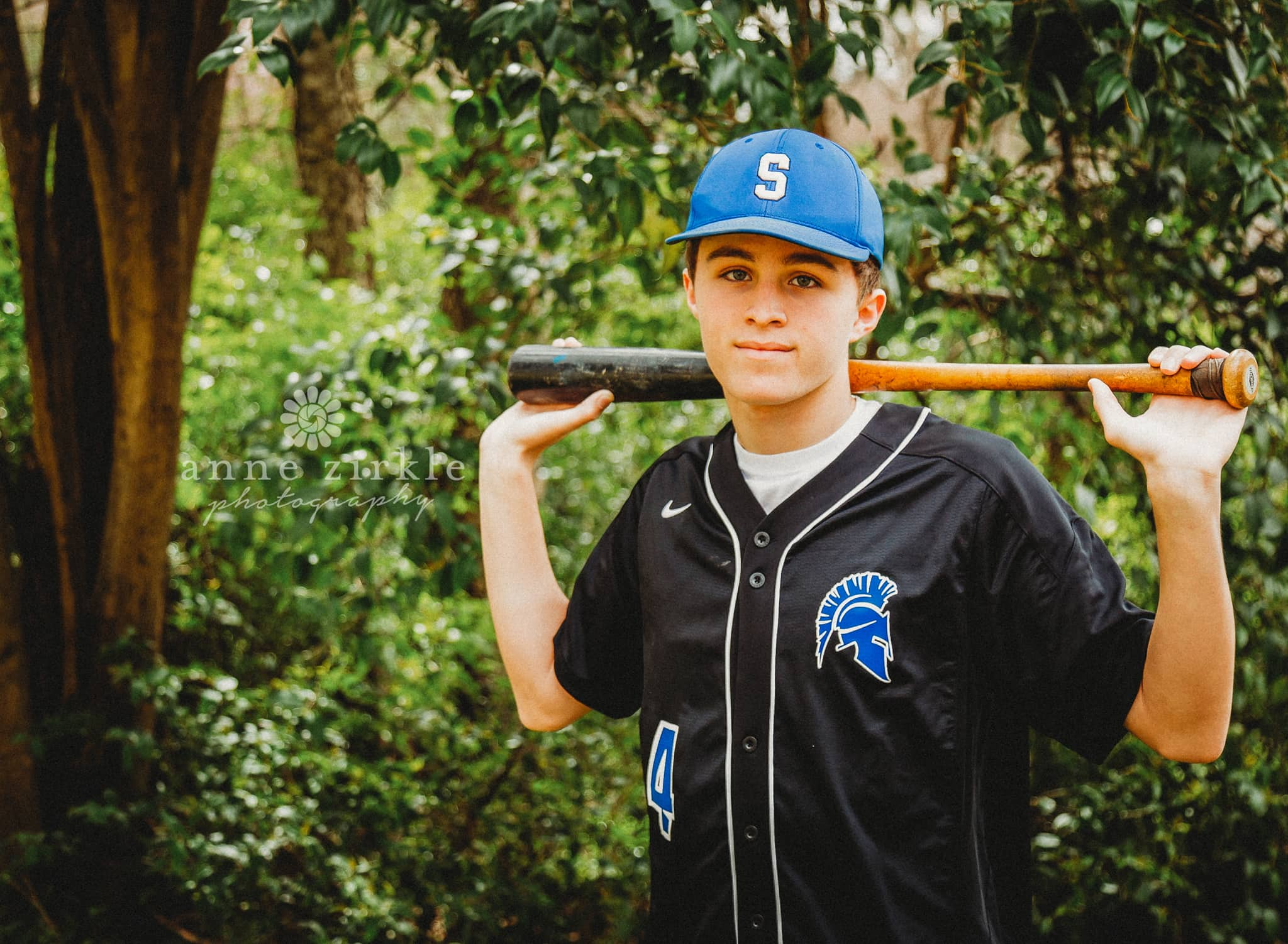 senior boy with baseball bat #mooresville #northcarolina #davidson #lakenorman #southiredell #pinelakeprep #highschool #highschoolsenior #highschoolseniors #seniors
